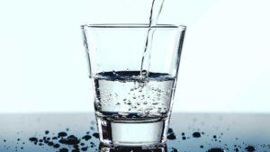 bicchiere_acqua_idratazione
